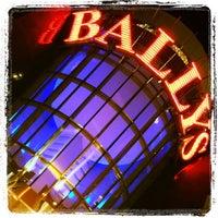 Das Foto wurde bei Bally's Casino & Hotel von Paige am 4/1/2013 aufgenommen