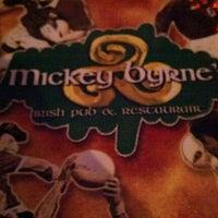Foto tomada en Mickey Byrne's Irish Pub por Geoffrey A. el 10/23/2012