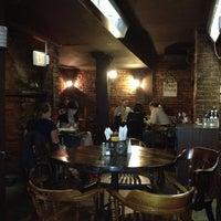 10/19/2012 tarihinde Alexander M.ziyaretçi tarafından Bier Baron Tavern'de çekilen fotoğraf