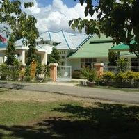 รูปภาพถ่ายที่ Dinas Kesehatan Kab.Boalemo โดย cheelunk m. เมื่อ 10/30/2012