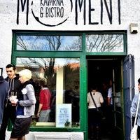 Foto tirada no(a) Moment Cafe por Jakub S. em 4/14/2013
