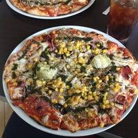 Foto tomada en Ciao Bella Pizza por Eric C. el 10/20/2012