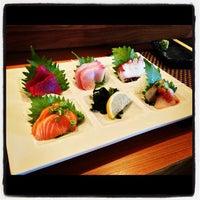 Снимок сделан в Sushi Den пользователем Chris D. 11/7/2012