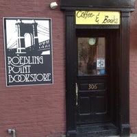 11/5/2012 tarihinde Jody W.ziyaretçi tarafından Roebling Point Books & Coffee'de çekilen fotoğraf