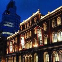 Das Foto wurde bei The Public Theater von Lena Yujung L. am 12/8/2012 aufgenommen
