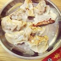 7/13/2013 tarihinde Menglin H.ziyaretçi tarafından Lam Zhou Handmade Noodle'de çekilen fotoğraf