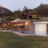 Photo prise au Sundial Otel, Bar & Restaurant par Fethiye H. le10/15/2013