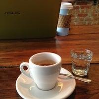 12/3/2012にKaren H.がJoe the Art of Coffeeで撮った写真