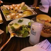 2/12/2013에 😎Orhan😎님이 Olympos Cafe & Bar에서 찍은 사진