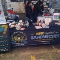 Foto tomada en SuperNatural Sandwiches por Warren C. el 1/13/2013