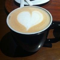 3/22/2013 tarihinde Gökçe🎊ziyaretçi tarafından Gloria Jean's Coffees'de çekilen fotoğraf
