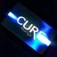 Foto tomada en Cure Lounge por TeLisa D. el 4/28/2013