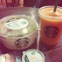 Снимок сделан в Starbucks пользователем Anna S. 8/20/2013
