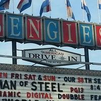 6/22/2013에 Diane D.님이 Bengies Drive-in Theatre에서 찍은 사진