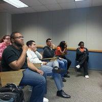 Photo prise au Classroom Building par Chantel S. le10/9/2012