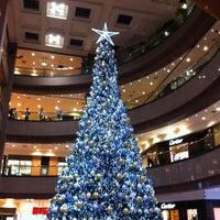 Photo prise au Takashimaya S.C. par Calvin N. le12/28/2012