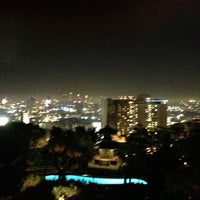 Foto scattata a Yamashiro Hollywood da Matthew B. il 11/4/2012