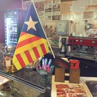 10/10/2013 tarihinde Franchesco M.ziyaretçi tarafından La Rauxa Café'de çekilen fotoğraf