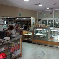 Photo prise au Coffee Market par Juan O. le11/1/2012
