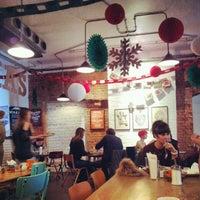 Foto scattata a The Book Club da erin il 12/1/2012