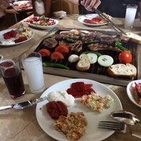 รูปภาพถ่ายที่ Gölköy Restaurant โดย Esra T. เมื่อ 1/5/2014