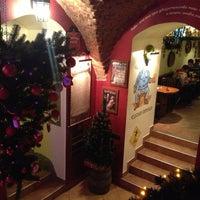 12/24/2012 tarihinde Veronica F.ziyaretçi tarafından Гамбринус'de çekilen fotoğraf