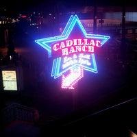 3/26/2013에 Cesar T.님이 Cadillac Ranch Southwestern Bar & Grill에서 찍은 사진