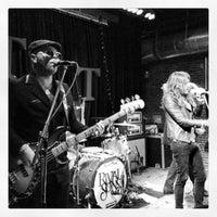 Das Foto wurde bei Tractor Tavern von Spenser H. am 1/30/2013 aufgenommen