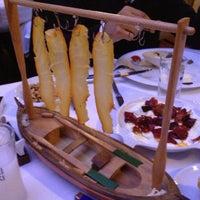 Foto scattata a Trilye Restaurant da Emre il 11/12/2012