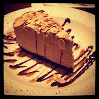 Foto scattata a The Keg Steakhouse + Bar da Brad M. il 8/6/2013