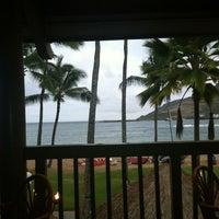 Foto tomada en Duke's Kauai por Brian F. el 7/18/2012