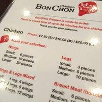 1/13/2013 tarihinde Cristian L.ziyaretçi tarafından BonChon Chicken'de çekilen fotoğraf