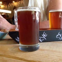 รูปภาพถ่ายที่ Fallbrook Brewing Company โดย Dusty S. เมื่อ 12/22/2013