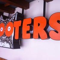 Foto tomada en Hooters por Ramil M. el 1/30/2013