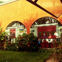 Foto tomada en Casa Mission por Claudia T. el 12/26/2012