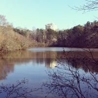 Das Foto wurde bei Lullwater Preserve von Valentin L. am 3/28/2013 aufgenommen