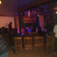 Foto tirada no(a) Neir's Tavern por Jayson Da B.B.C H. em 11/7/2012
