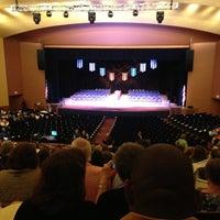 Foto tomada en Lisner Auditorium por Dann B. el 5/18/2013
