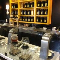 Foto tomada en Seventh Tea Bar por Darin el 7/22/2013