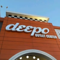 Foto scattata a Deepo Outlet Center da Levent O. il 11/12/2012