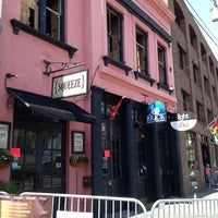 Foto tirada no(a) The Brick: Charleston's Favorite Tavern por 1Harold W. em 4/7/2013