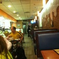 9/29/2013にKathy L.がIgloo Cafeで撮った写真