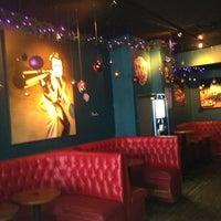Foto tomada en Fontana's Bar por Phil C. el 12/28/2012