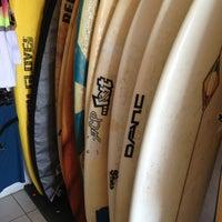 Foto diambil di Bonfil Surf Shop oleh Christian R. pada 2/18/2013