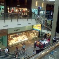 Foto tirada no(a) Miramar Shopping por Lourival F. em 2/28/2013