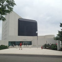 รูปภาพถ่ายที่ John F. Kennedy Presidential Library & Museum โดย Shixin Y. เมื่อ 6/10/2013