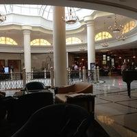 Foto tirada no(a) Marriott Grand por Andrey B. em 3/17/2013