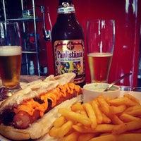 Foto diambil di São Paulo Dog & Burger oleh Boteco&Cerveja pada 10/25/2014