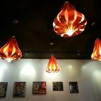Foto scattata a Blue Hen Vietnamese Kitchen da HOPE il 9/16/2013
