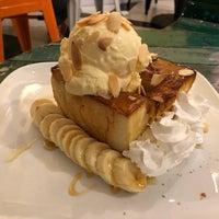 Снимок сделан в IS SWEET Coffee & Dessert пользователем Scott T. 6/18/2018